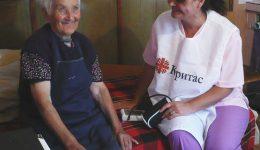 Домашни грижи за възрастни хора – избери, за да помогнеш!