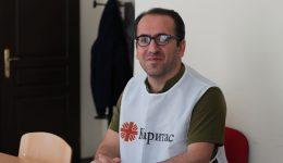 """تجربه کاری در """"کاریتاس"""" به من یاد داد که به دیگران با دل باز کمک کنم"""
