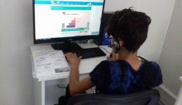 فعالیت های آموزش کامپیوتری برای بچه ها و جوانان پناهنده