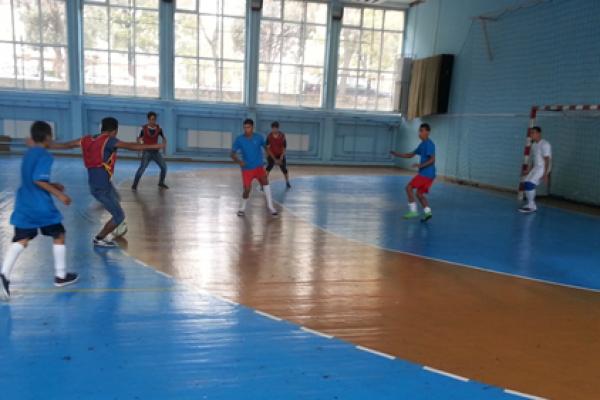 تنظيم شهر الرياضة بمشاركة الأجانب المقيمين في مركز بوسمانتسي